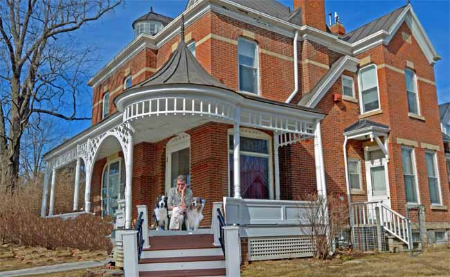 Vonnegut.house.GaWy_650x400